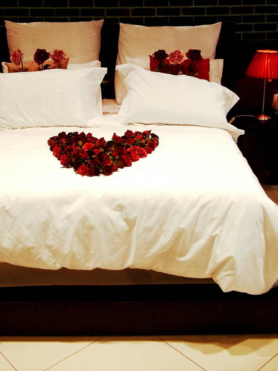 """Valentine Bedroom decor ideas"""