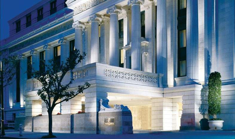 """""""Ritz-Carlton San Francisco""""  Top 5 Hottest Hotels to spend your Valentine's night the ritz carlton san francisco meetings 4 a"""