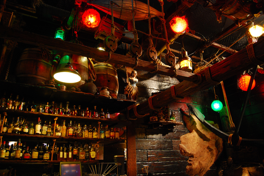 """ ""Top 5 bars in San Francisco""  San Francisco night life: top 5 bars in San Francisco Smugglers Cove bar"