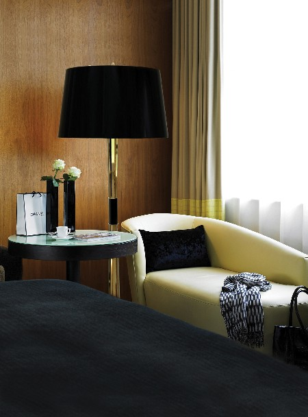 HOW TO CHOOSE THE PERFECT FLOOR LAMP FOR YOUR BEDROOM  HOW TO CHOOSE THE PERFECT FLOOR LAMP FOR YOUR BEDROOM delightfull miles 01